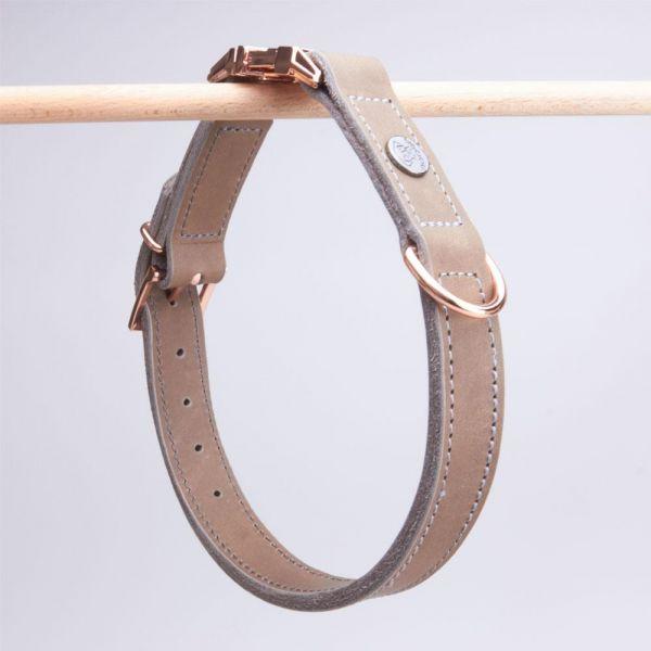 DOOGA Fettleder Halsband mit Klick Schlamm